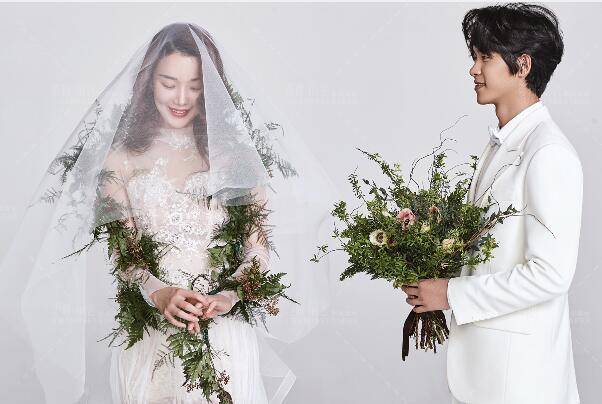 结婚一周年纪念日微信说说 空间秀恩爱必备